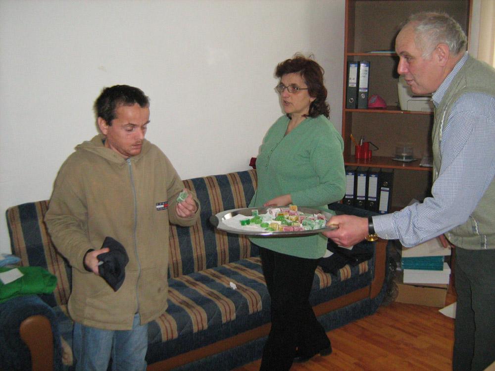 You are browsing images from the article: Povesti in alb si negru - actiune la Caminul de la Jaristea